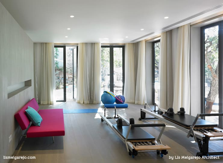 Projekty,  Salon zaprojektowane przez Lis Melgarejo Arquitectura