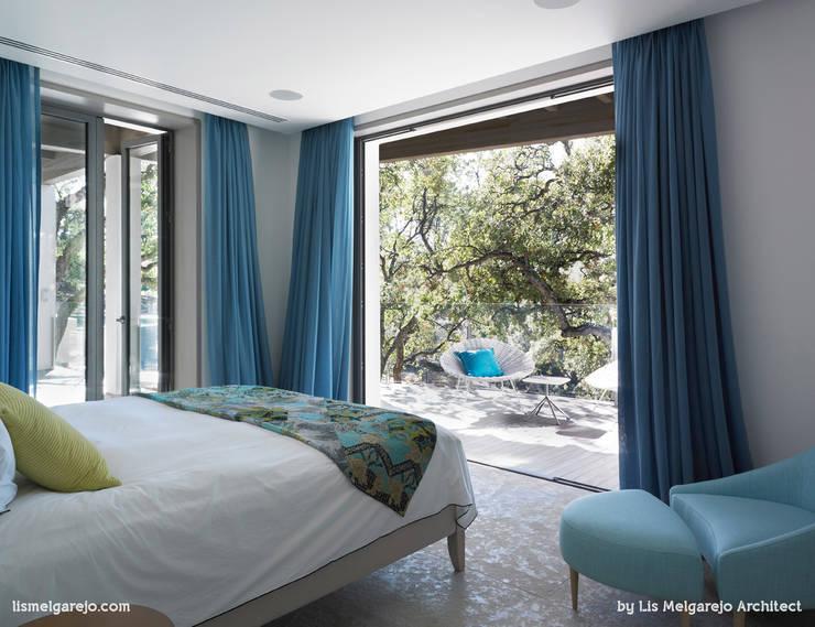 Zagaleta G31: Dormitorios de estilo moderno de Lis Melgarejo Arquitectura