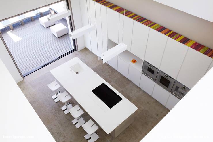 Projekty,  Kuchnia zaprojektowane przez Lis Melgarejo Arquitectura