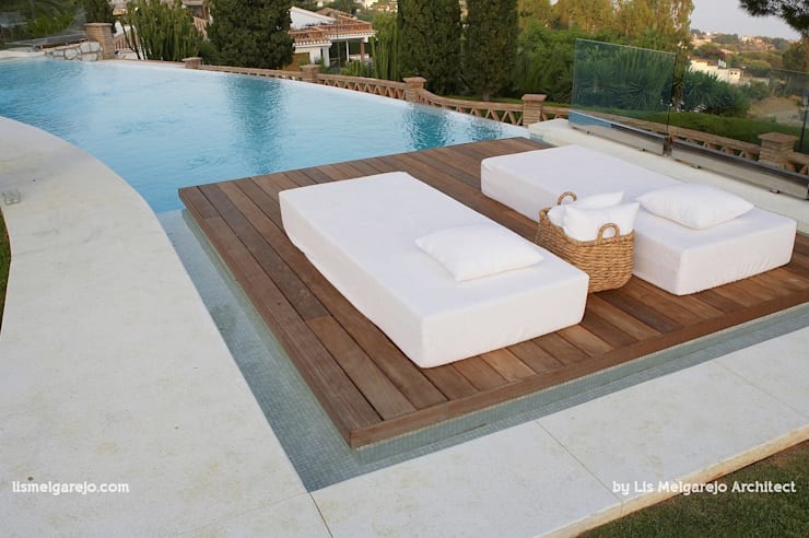 Villa Shangrila: Piscinas de estilo  de Lis Melgarejo Arquitectura