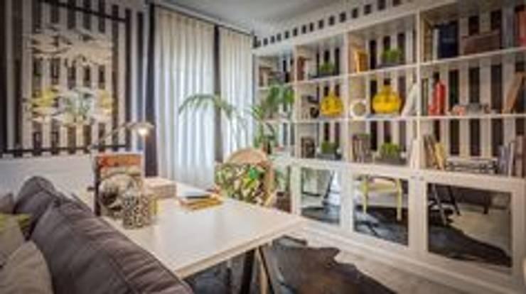 Blanco Interiores – Projecto Habitação: Salas de estar  por Blanco Interiores