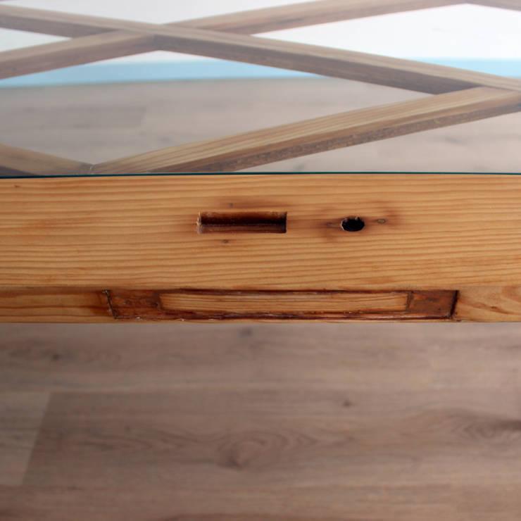 porta horizontal clássica: Sala de jantar  por crónicas do habitar