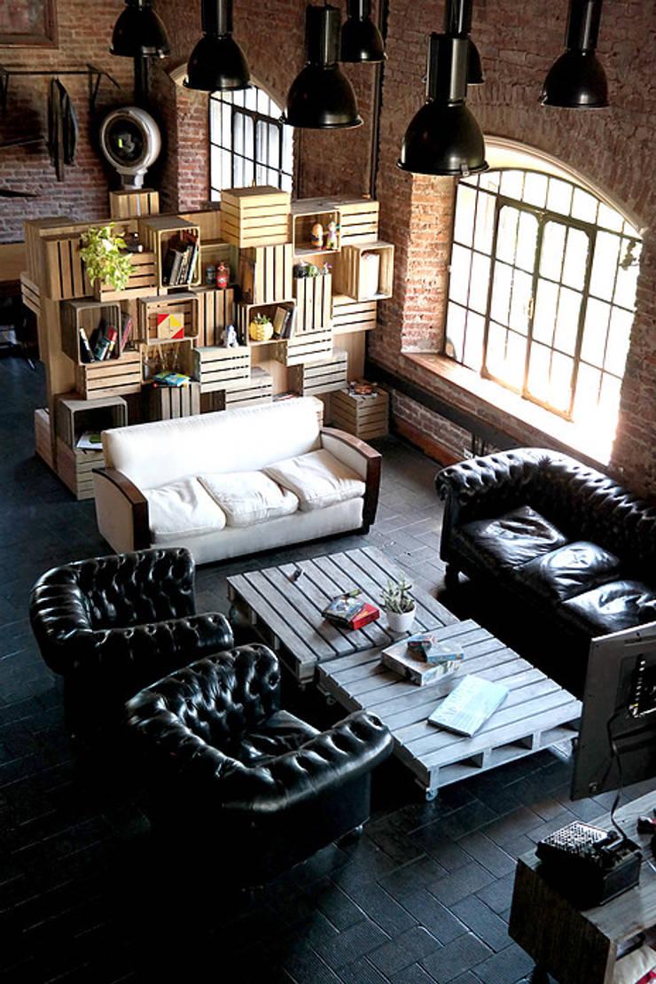 diseño de oficinas - PIXOWL: Oficinas y Tiendas de estilo  por Estudio Cebra