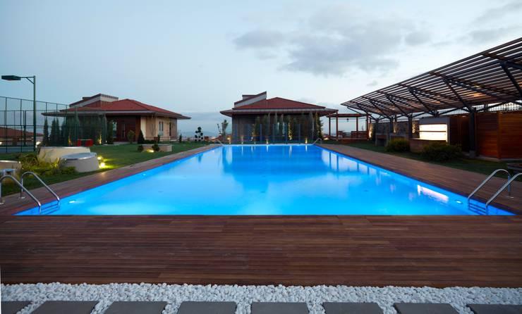 Pimodek Mimari Tasarım - Uygulama – Çamlıca'da Villa:  tarz Havuz