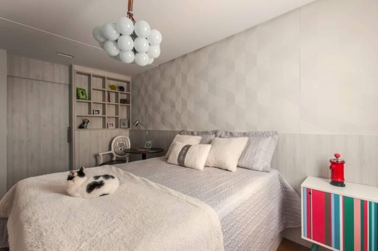Спальни в . Автор – MC3 Arquitetura . Paisagismo . Interiores, Модерн