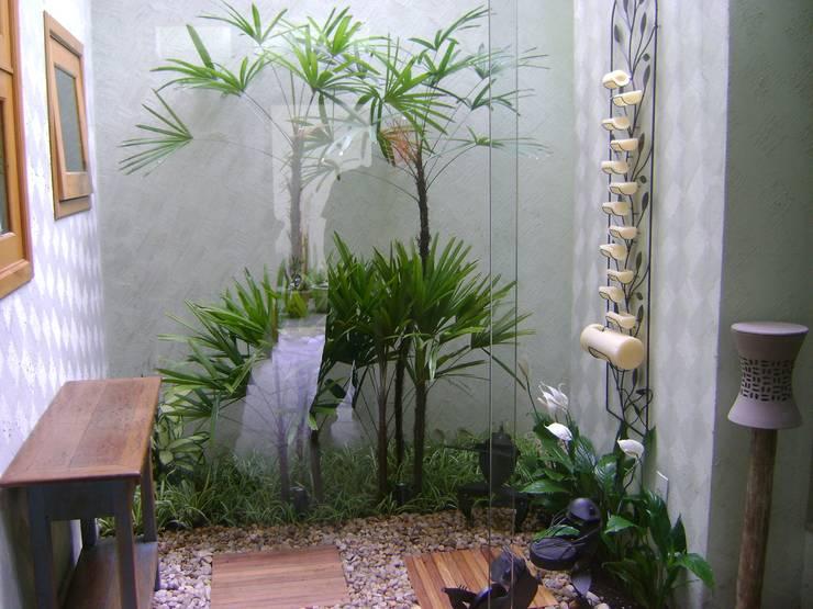 Giardino d'inverno in stile in stile Mediterraneo di MC3 Arquitetura . Paisagismo . Interiores