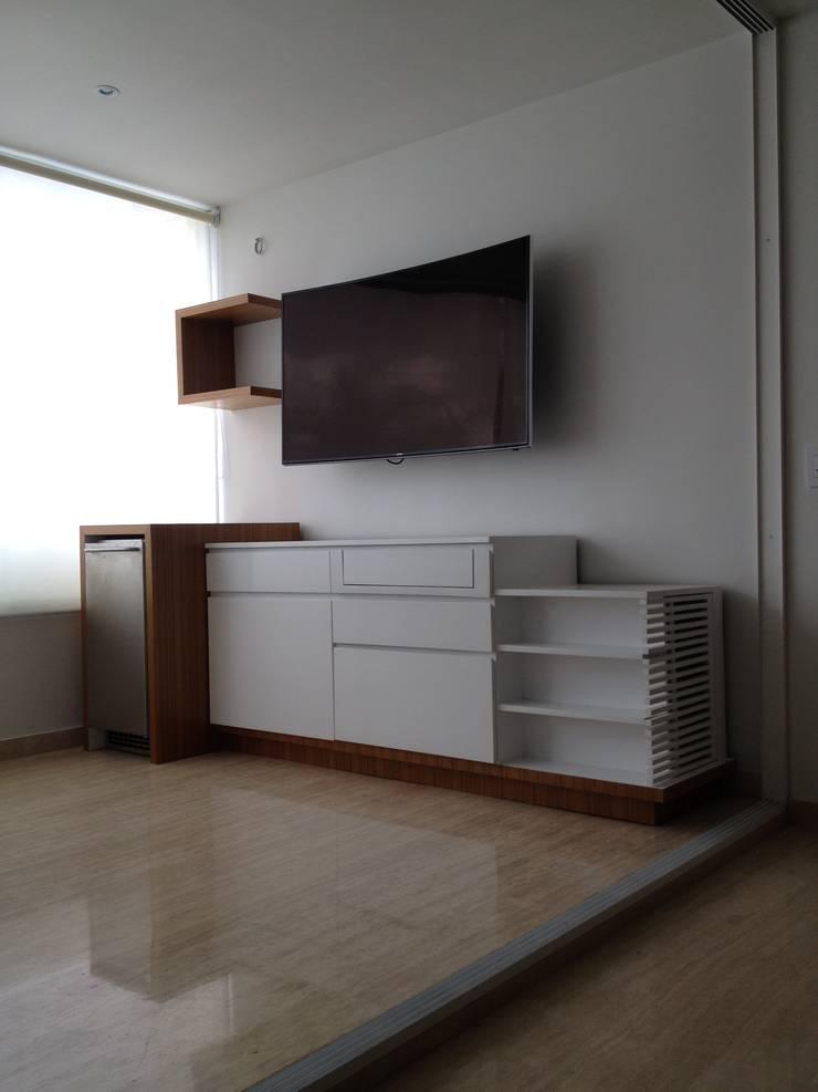 Mueble general de mueble.: Salas/Recibidores de estilo  por Demadera Caracas