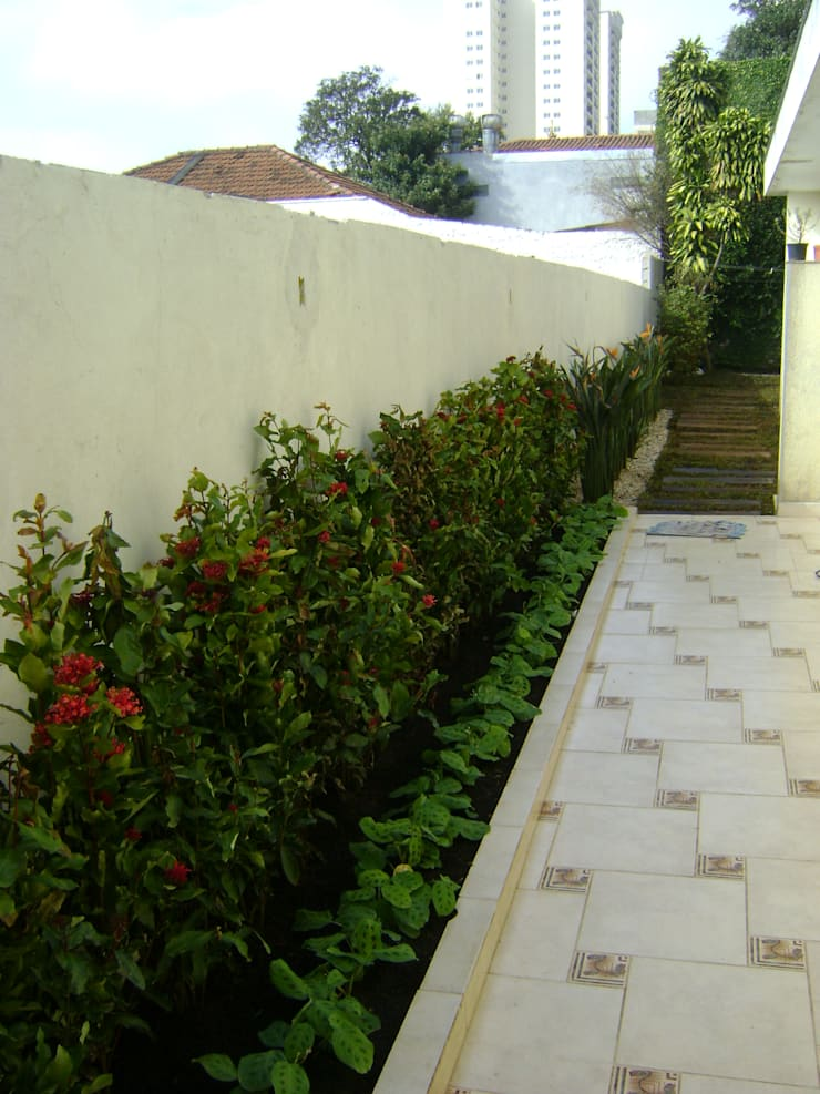 Garden by MC3 Arquitetura . Paisagismo . Interiores