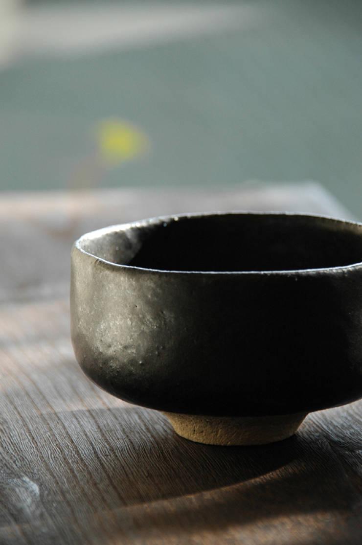 茶碗-3: ceramica yyttが手掛けたアートです。,