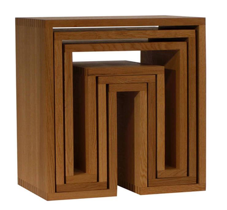 SHOJI - Nesting Tables: abode Co., Ltd.が手掛けたリビングルームです。