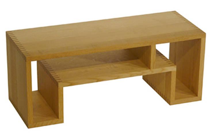 SHOJI - Occasional Table Small: abode Co., Ltd.が手掛けたリビングルームです。