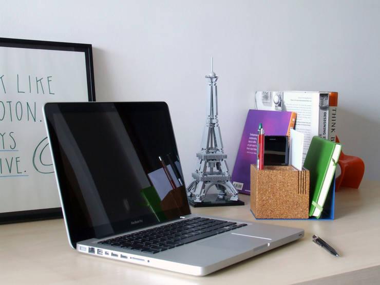 Kit / organizer: Escritório e loja  por HR Design Studio