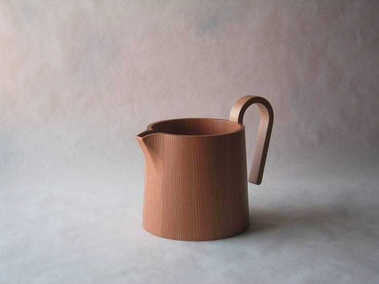 水差し: 清水桶屋が手掛けた家庭用品です。