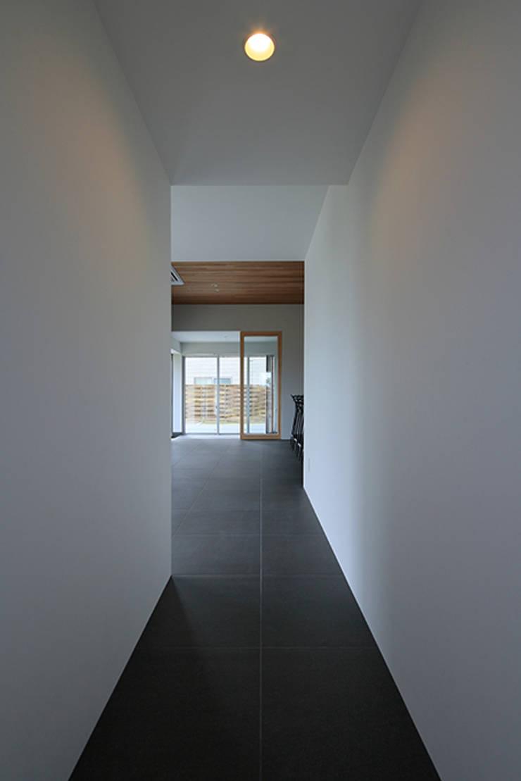 House-MSD【 White Rainbow -白虹- 】: bound-designが手掛けたリビングです。,
