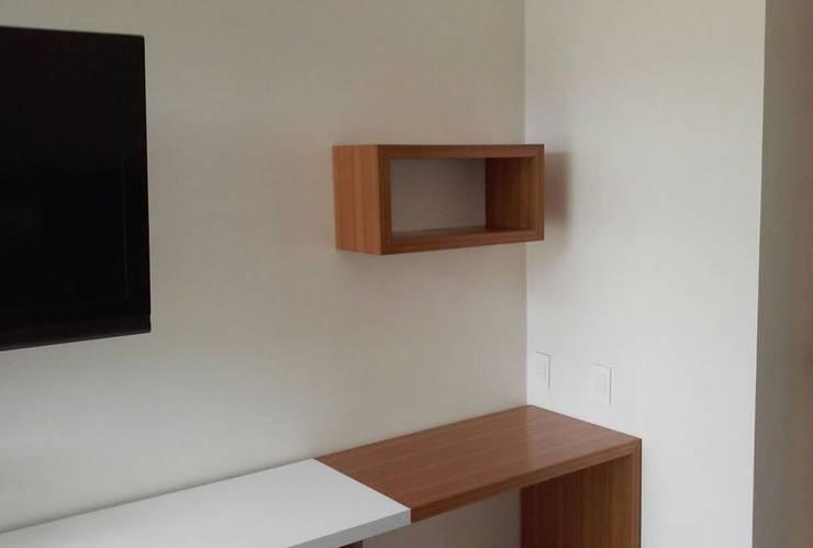 Muebles Apto. AM: Oficinas de estilo  por Demadera Caracas