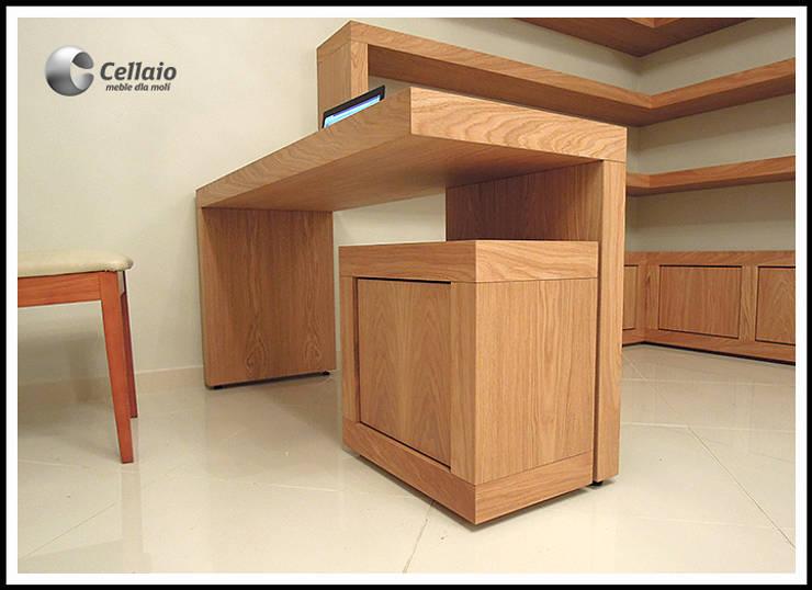 Meble biurowe: styl , w kategorii  zaprojektowany przez Cellaio,Minimalistyczny