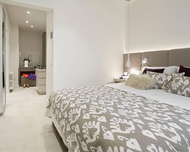 Habitaciones de estilo  por Molins Design