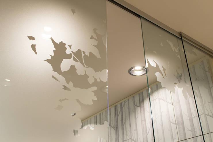 Beklebung Glasflächen:  Praxen von Büro Köthe