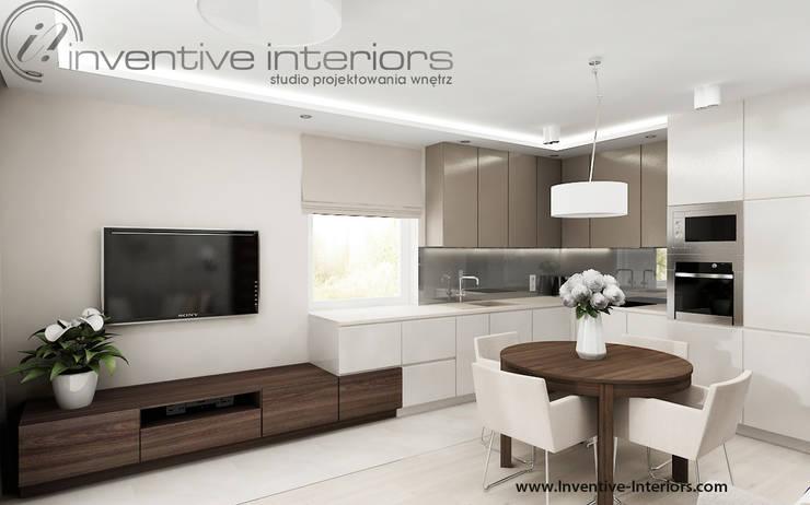 Zabudowa kuchenna połączona z szafką rtv: styl , w kategorii Kuchnia zaprojektowany przez Inventive Interiors,Nowoczesny