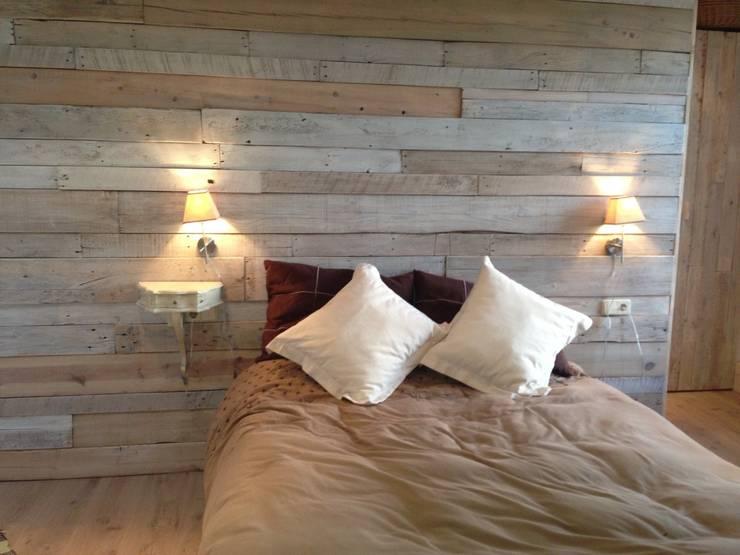 Спальная комната  в . Автор – Balear de Reformas y Servicios Integrales 2012 S.L.