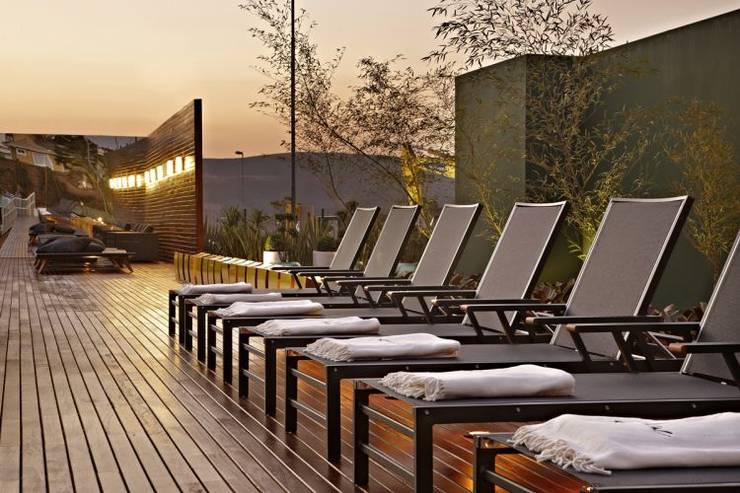 Casa Cor Minas 2011 | Deck Externo:   por Piacesi Arquitetos,Moderno Derivados de madeira Transparente