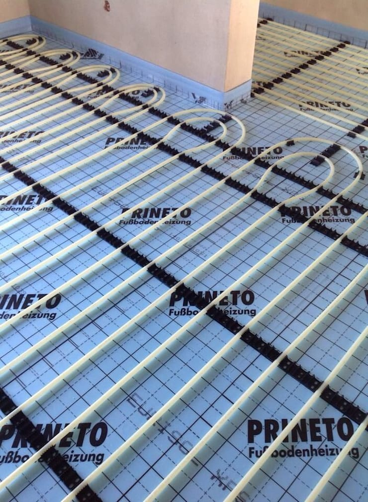 (5) Underfloor heating/ piso radiante: Paredes  por Dynamic444