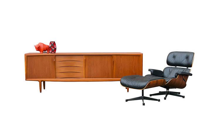 Duński sideboard projekt Gunni Oman: styl , w kategorii Salon zaprojektowany przez Simply Modern