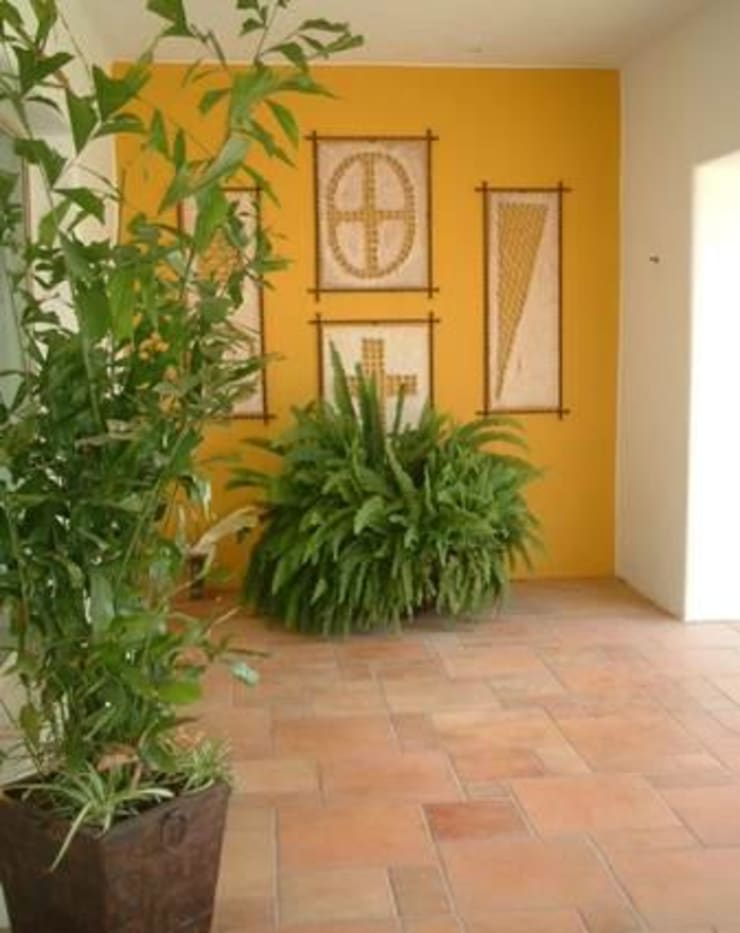 Jardines con maceteros y más… : Jardín de estilo  por EcoEntorno Paisajismo Urbano