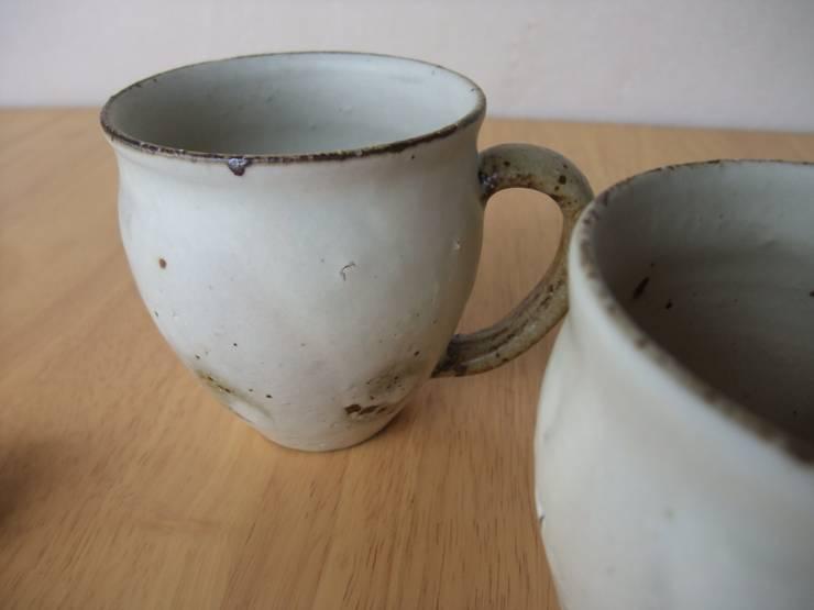 粉引マグカップ: kamiyama-工房が手掛けたキッチンです。