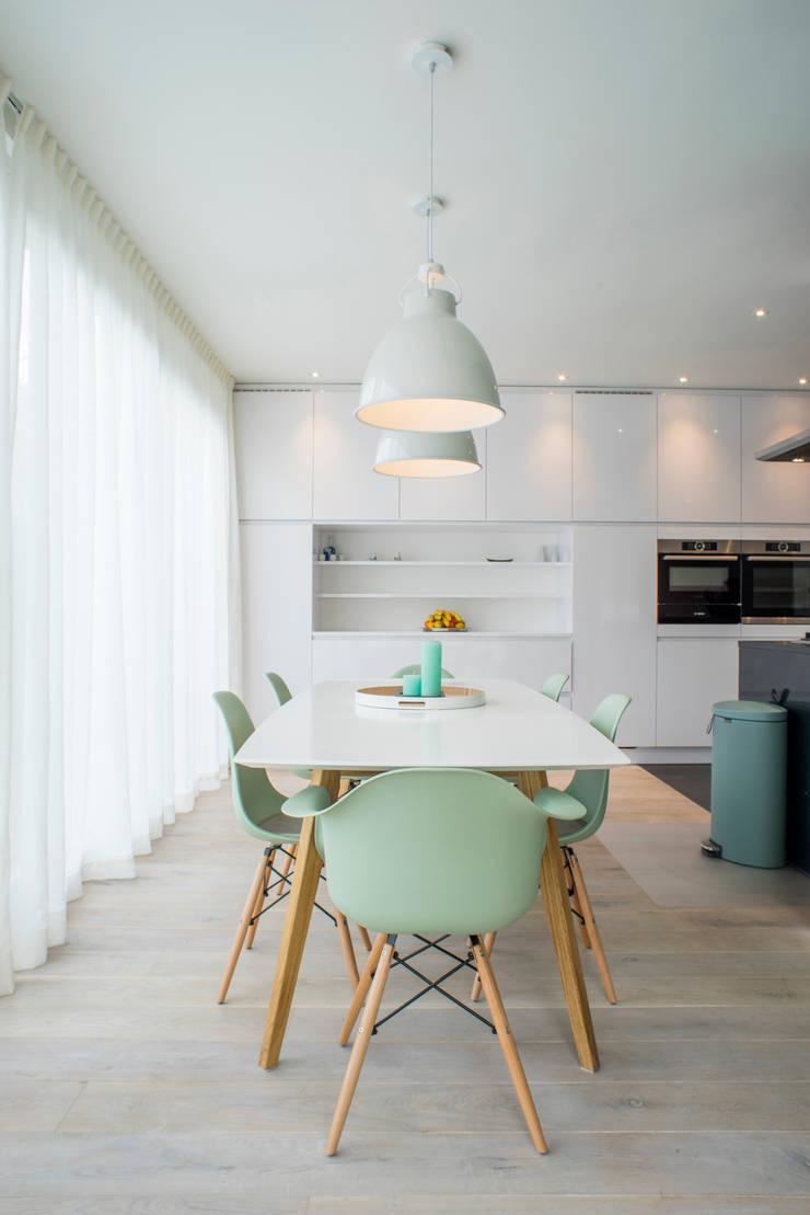 I and Y residency:  Eetkamer door Diego Alonso designs