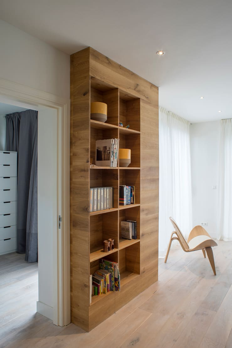 I and Y residency:  Woonkamer door Diego Alonso designs