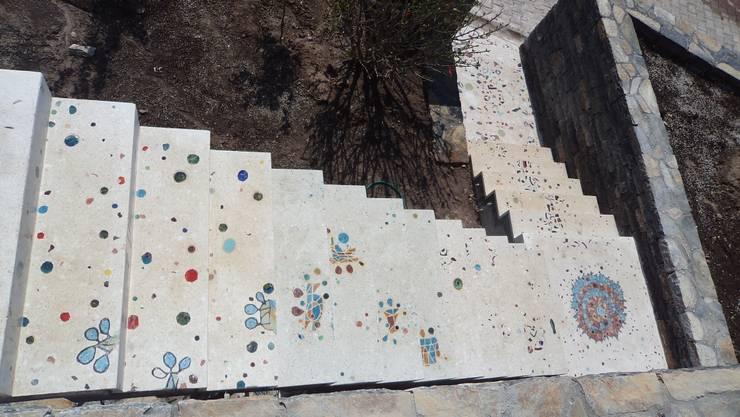 Camdal – Terrazzo Basamak:  tarz Bahçe, Akdeniz Seramik