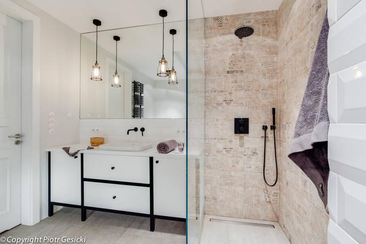 浴室 by Loft Factory