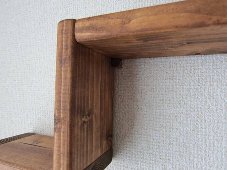 木の壁掛け飾り棚-A: 作房和樂(サボウワラク)が手掛けた折衷的なです。,オリジナル