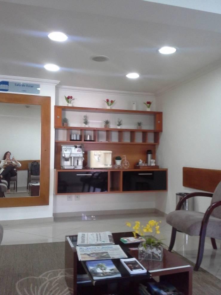 Lounge Hotel Executivo - Antes:   por Arquiteta Ive Oliveira ,