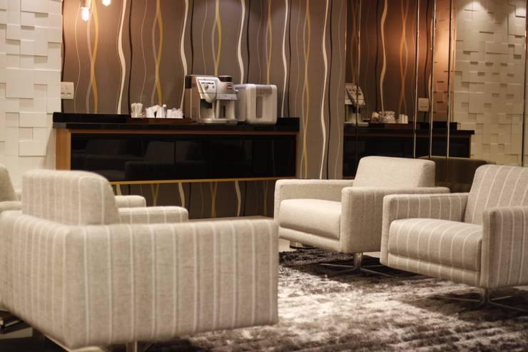 Lounge Hotel Executivo - Depois:   por Arquiteta Ive Oliveira ,