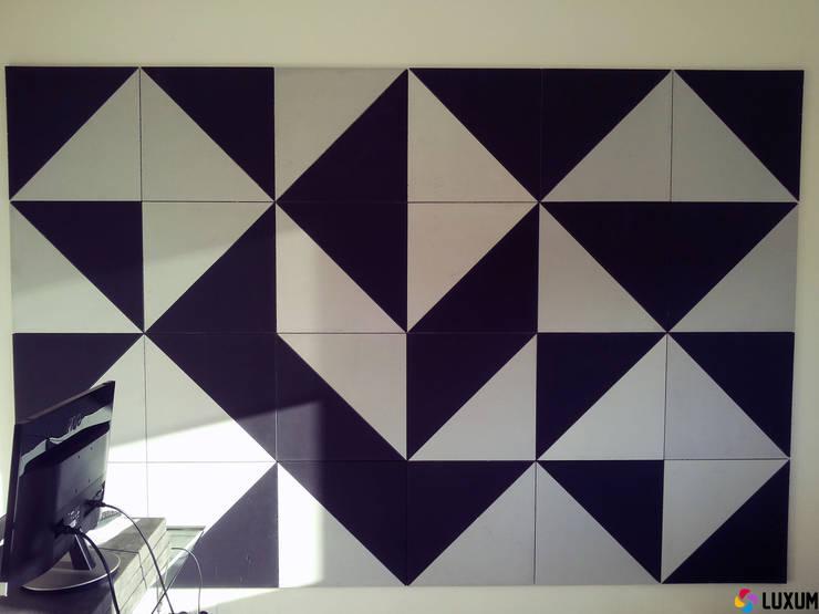 Mozaika wykonana z betonu architektonicznego Luxum: styl , w kategorii Salon zaprojektowany przez Luxum,Nowoczesny