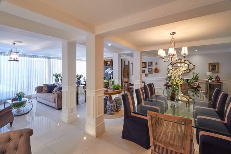 Residência Condomínio West Valley Salas de jantar clássicas por Piloni Arquitetura Clássico