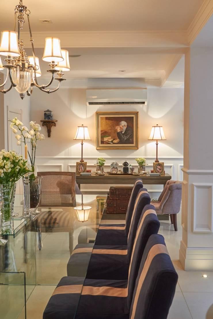 Jantar Salas de jantar clássicas por Piloni Arquitetura Clássico