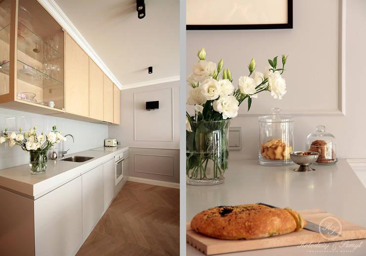 NAVY: styl , w kategorii Kuchnia zaprojektowany przez Kołodziej & Szmyt Projektowanie wnętrz,Eklektyczny