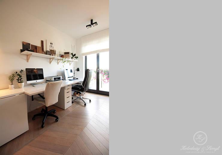 Study/office by Kołodziej & Szmyt Projektowanie wnętrz