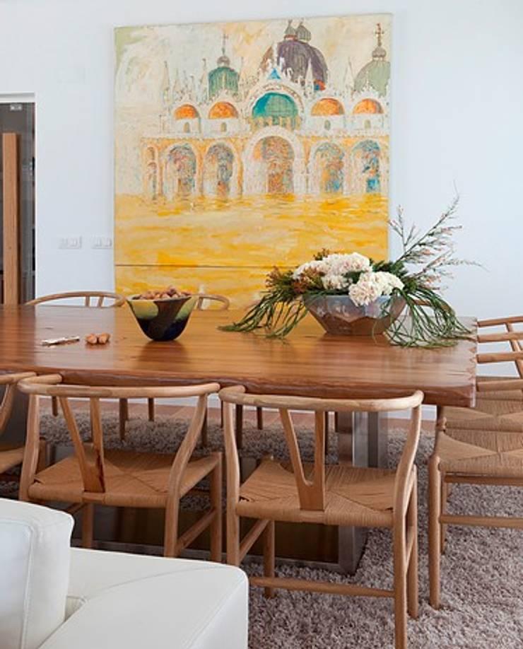 MORADIA ALENTEJO: Salas de jantar  por Artica by CSS