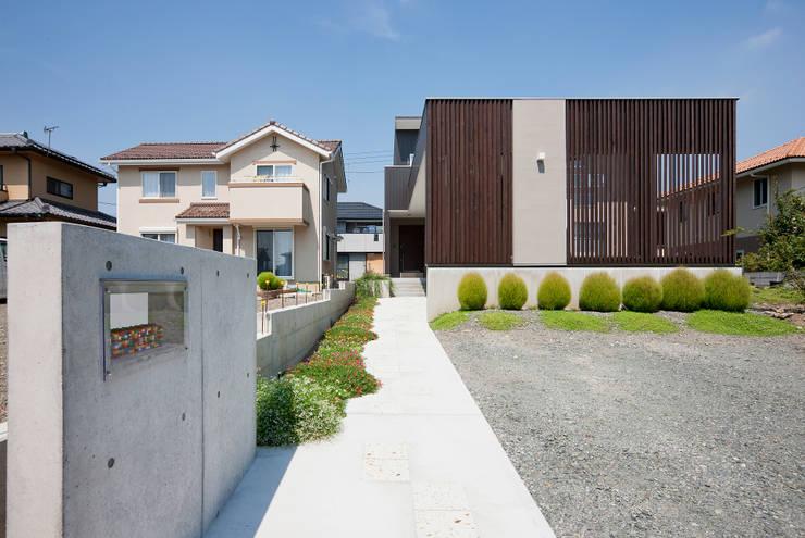 房子 by 空間設計室/kukanarchi, 現代風