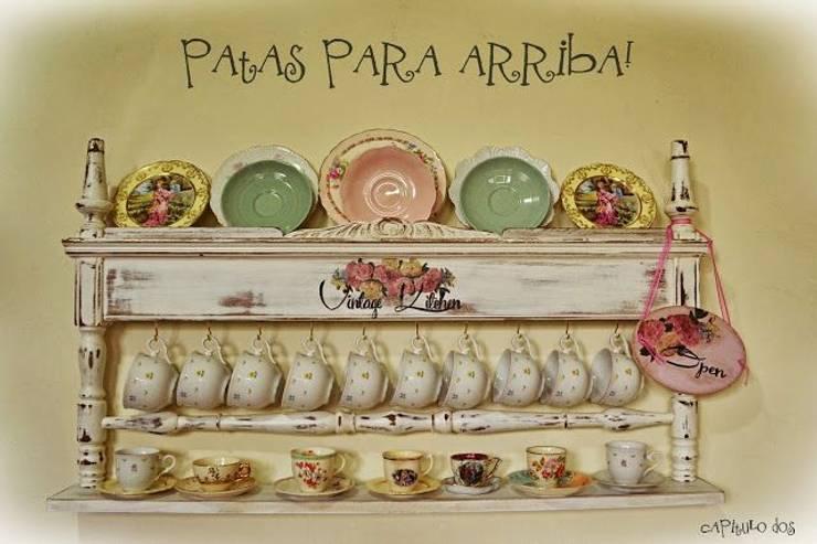Ideas creativas para muebles tradicionales: Cocinas de estilo rústico por Capítulo Dos