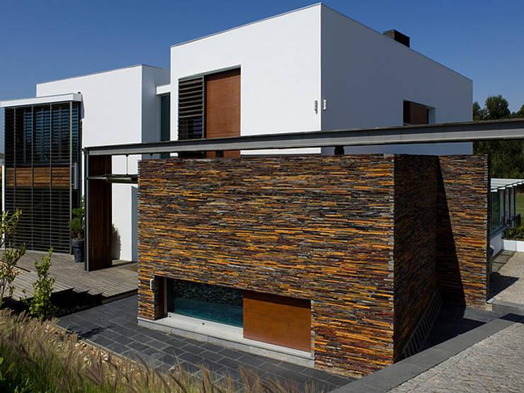 MORADIA BELAS: Casas  por Artica by CSS