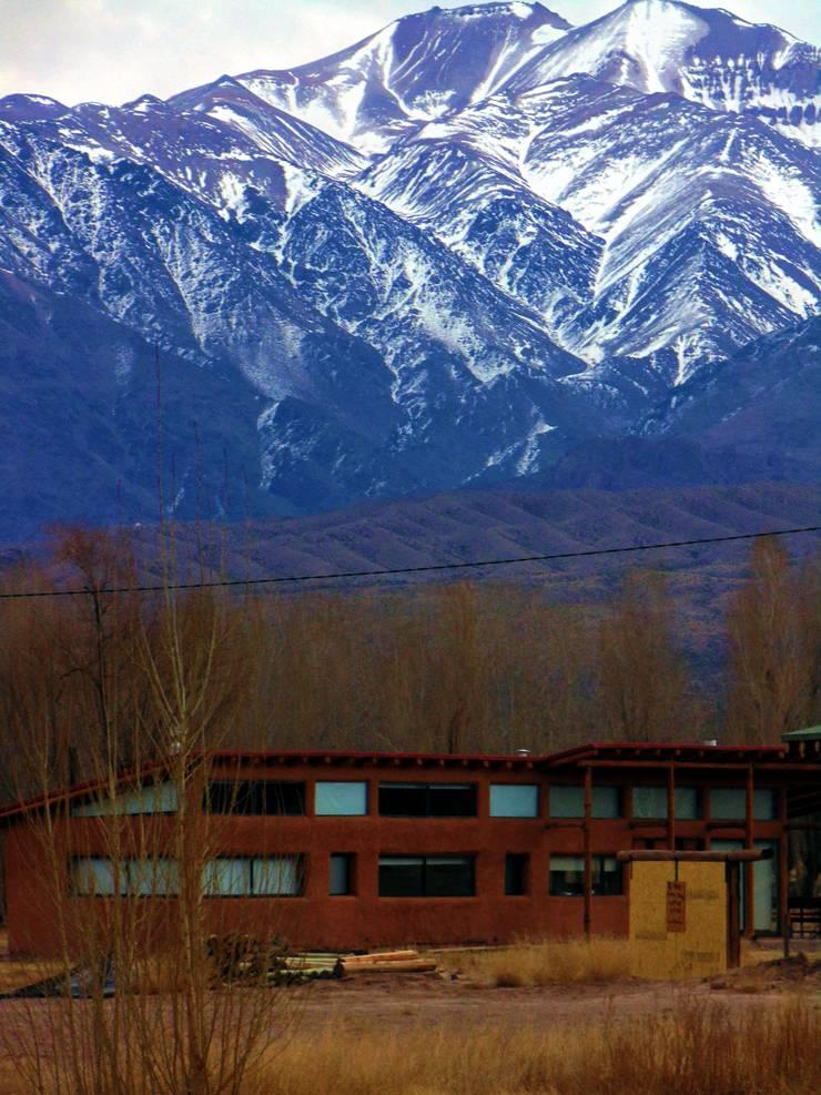 CASA AZZOTI: Casas de estilo  por bioma arquitectos asociados
