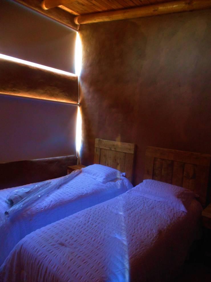 CASA AZZOTI: Dormitorios infantiles de estilo  por bioma arquitectos asociados