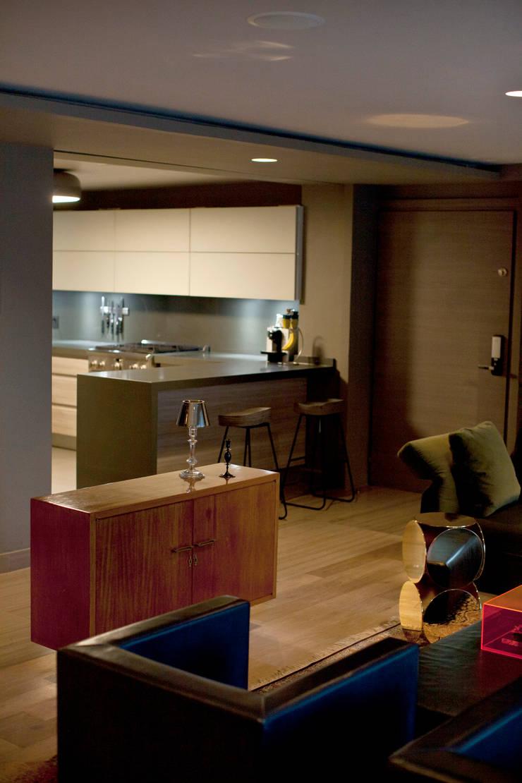 Departamento en Polanco I: Cocinas de estilo  por MAAD arquitectura y diseño
