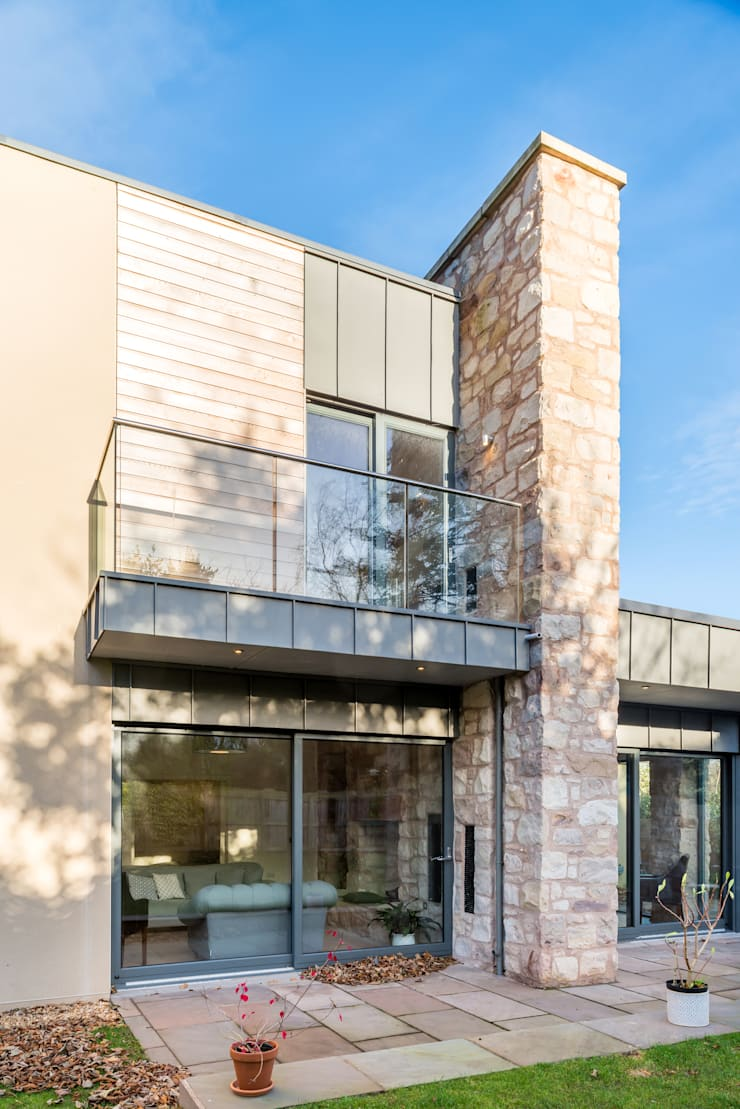 Solid House, North Berwick: modern Houses by Chris Humphreys Photography Ltd