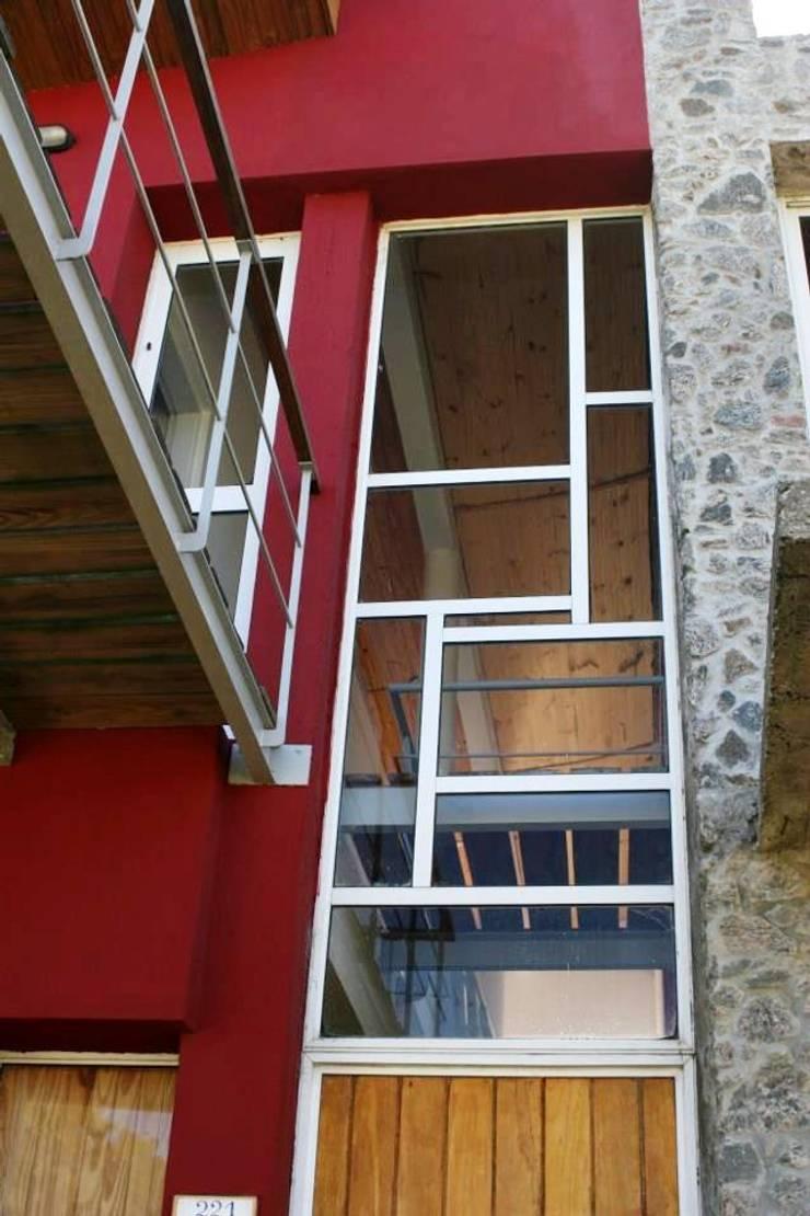 Casa Pampillo: Casas de estilo  por AyC Arquitectura